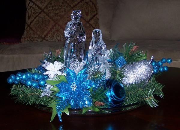 600 x 435 jpeg 49kB, Blue Nativity   Christmas Flowers & Wreaths ...