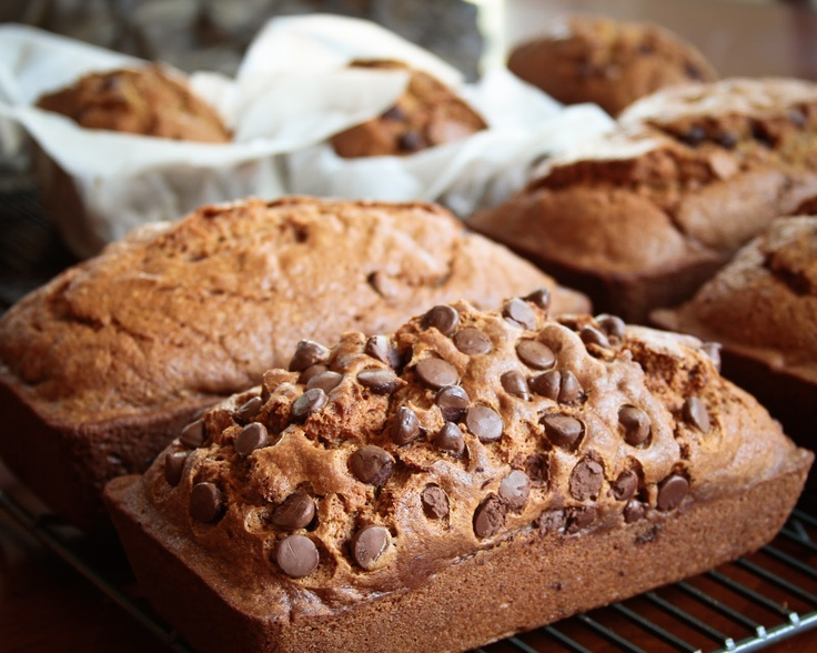 PUMPKIN CHOCOLATE CHIP BREAD | Dangerous | Pinterest
