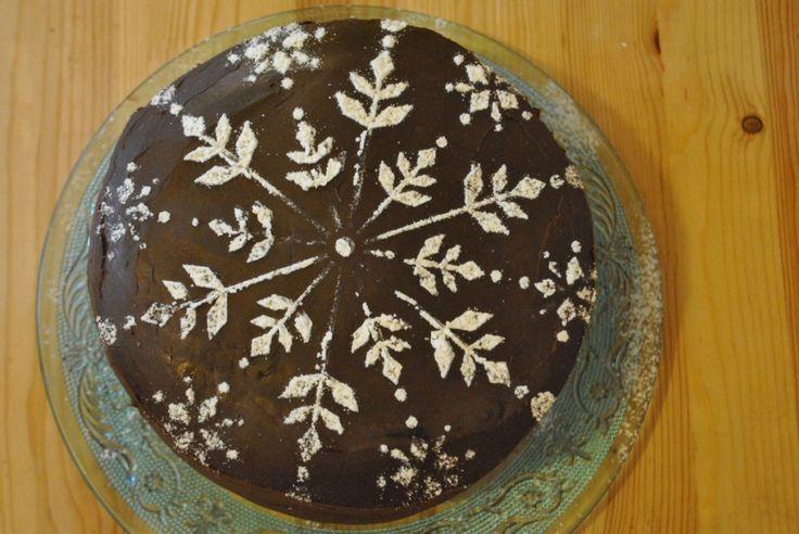 Chocolate And Blackcurrant Cake