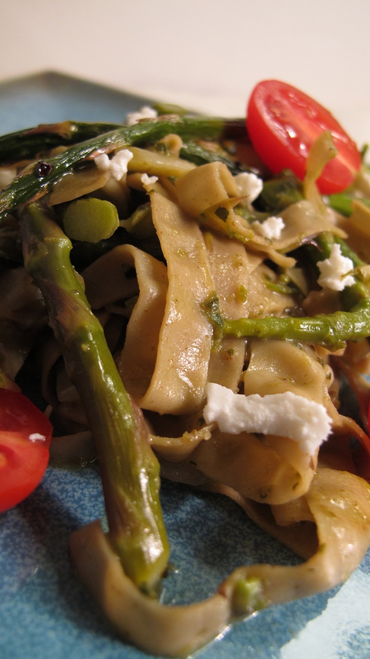 Asparagus Pesto Pasta for the Candida Diet! Our Recipe here: http ...