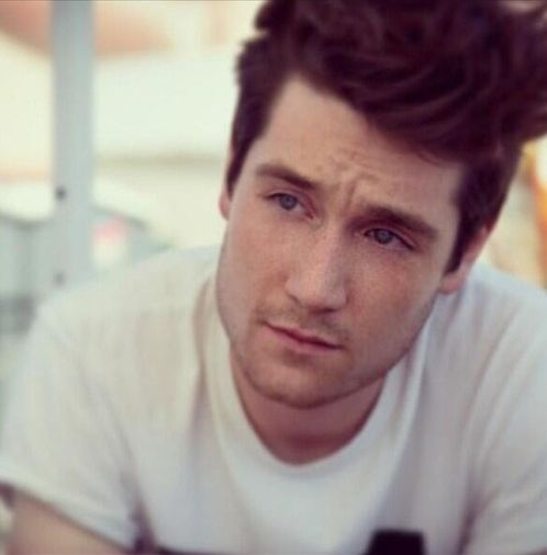 dan from bastille girlfriend