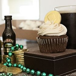Boozy cupcakes! A Guiness-beer chocolate cake, filled with Jameson ...