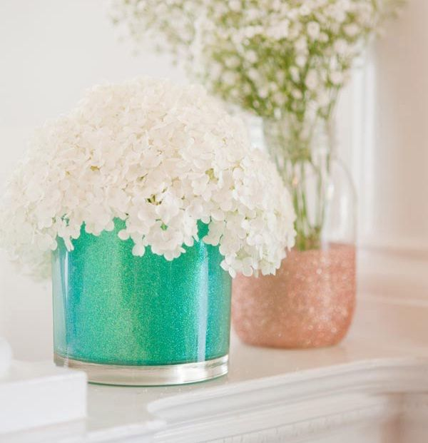 Faça você mesma lindos vasos com glitter para decoração - Artesanato fácil com reciclagem ~ VillarteDesign Artesanato