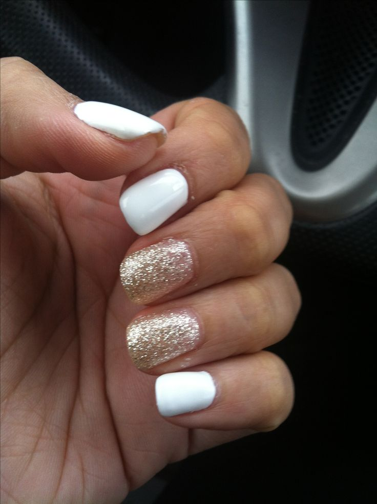Gold Glitter Accent Nails White nails with gold glitter