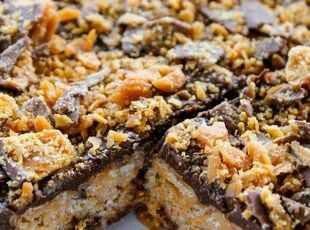 Butterfinger rice crispy treats | Recipe | Pinterest