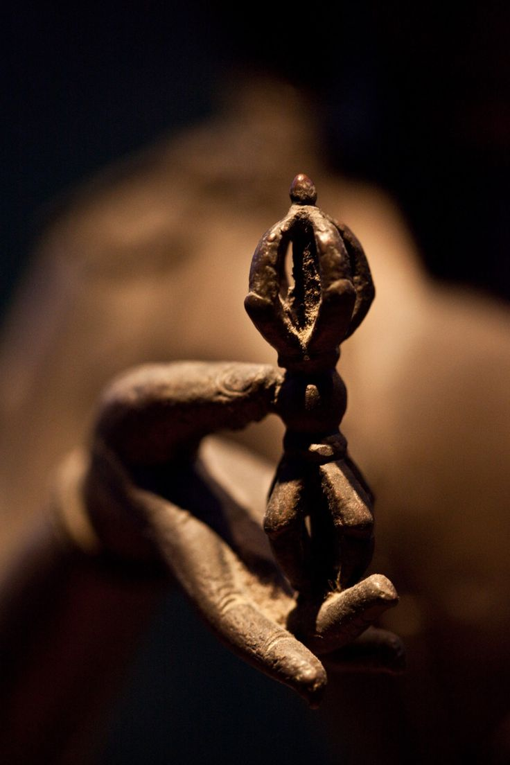 Buddhist vajra or double dorje, which has the symbolic nature of both the diamond (it can cut any substance, but not be cut itself) and the thunderbolt (irresistible force). The vajra represents firmness of spirit and spiritual power.