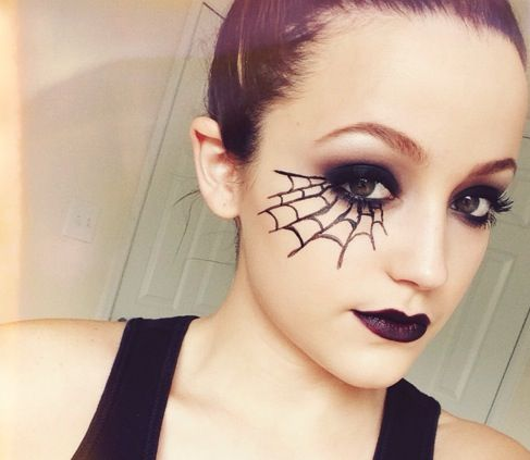 Last minute Halloween makeup/ costume Halloween Costumes - Last Minute Costume Makeup