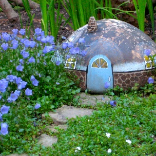 Painted rocks in the garden crafts rocks houses - Painting rocks for garden ...