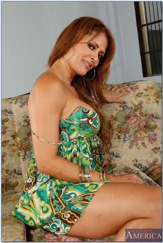 Mature latina Monique Fuentes denudes her comely tits and butt № 595078 загрузить