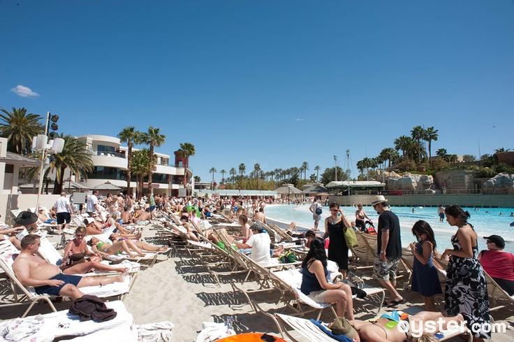 las vegas hotels with suites