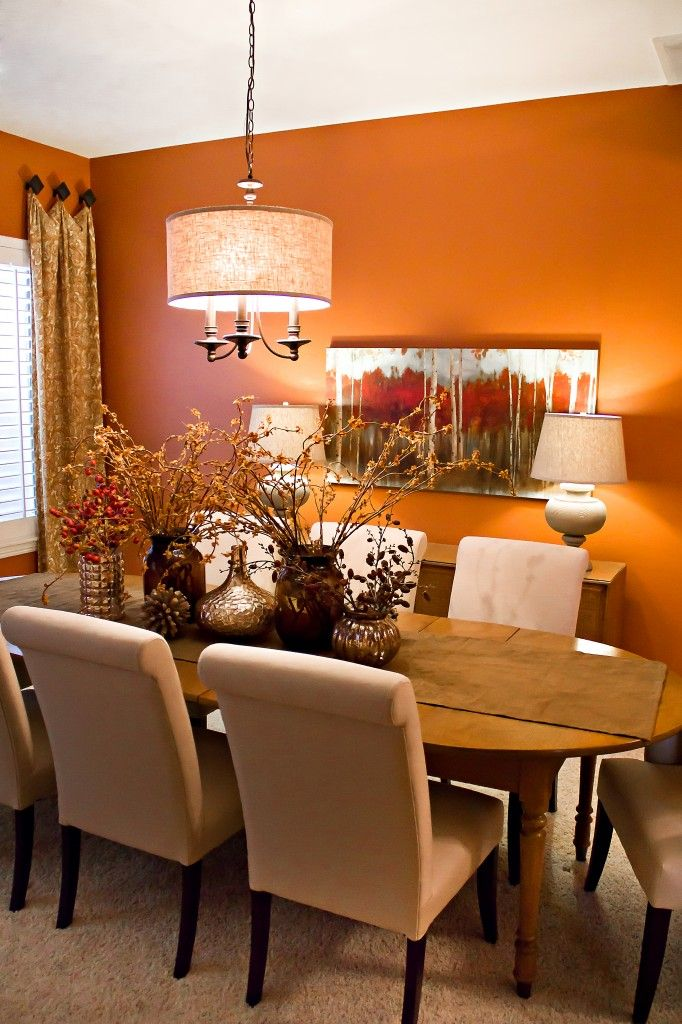 Rustic retreat dining room wall color home decor ideas for What to put on dining room walls