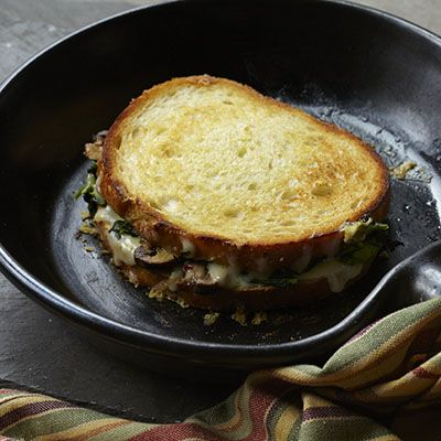 Broccoli Rabe and Fontina Grilled Cheese | Lunch | Pinterest