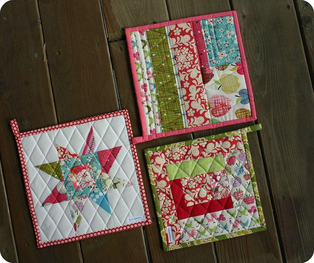 Quilted potholders quilt pinterest for Kitchen quilting ideas