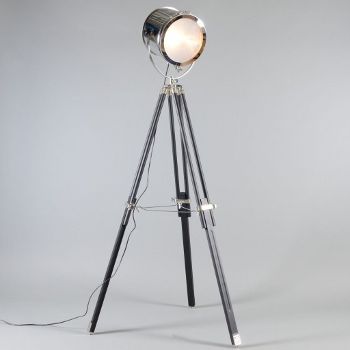 Dit zou m wel eens kunnen worden, mijn lamp bij de eetkamertafel ...