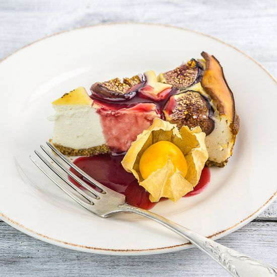 ... and delicious ricotta cheesecake with fresh figs, honey and lemon