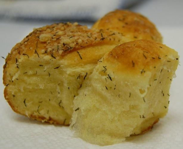 Pull Apart Parmesan Dill Bread | Taste Buds | Pinterest