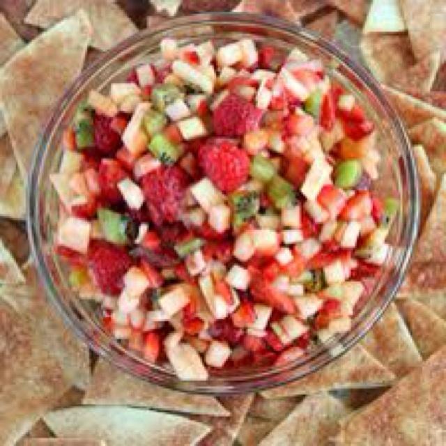 .com/recipe/annies-fruit-salsa-and-cinnamon-chips/ Fruit salsa ...