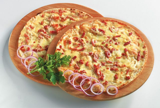 Tarte flambée | Tarts and Tarte flambée | Pinterest