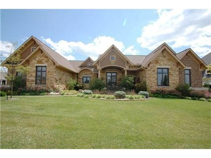 Gorgeous sprawling ranch in mason oh dream homes for Sprawling ranch homes