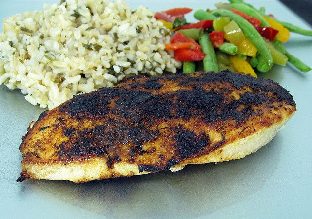 blackened chicken by Elly Says Opa, via Flickr