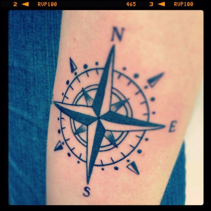 Rose des vents int rieur bras gauche by dju tattoo tatouage pinterest - Tatouage rose des vent ...