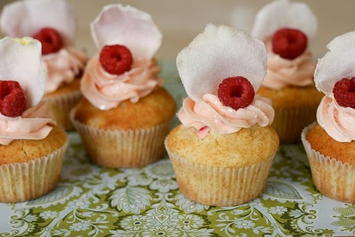Ispahan Cupcakes (Rosewater, Lychee and Raspberry)