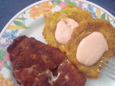 Empanada con tostones y mayo ketchup | Mi Bella Isla de Puerto Rico ...