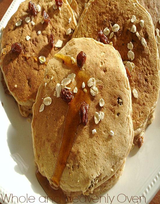Oatmeal Raisin Cookie Pancakes---These fluffy pancakes taste exactly ...