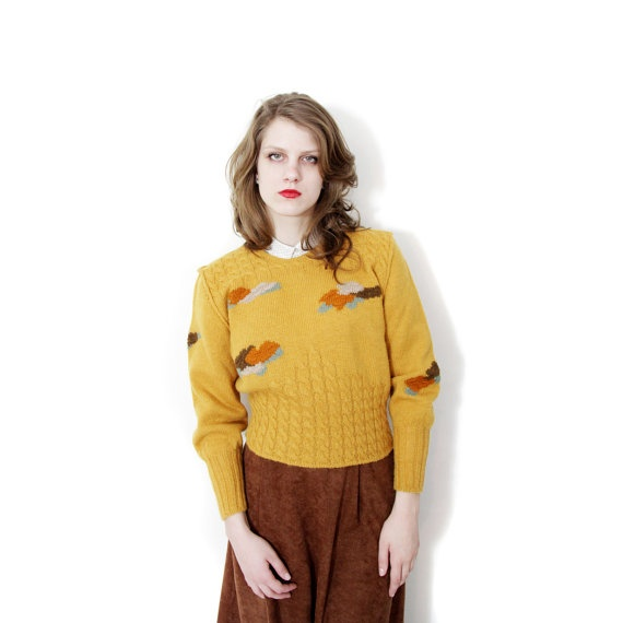 Vintage sweater / handknit mustard 50s sweater / size M by nemres