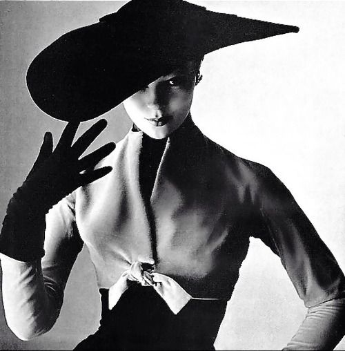 Ivy Nicholson photographed by Philippe Pottier, 1951. Pinned by www.lecastingpairisien.com