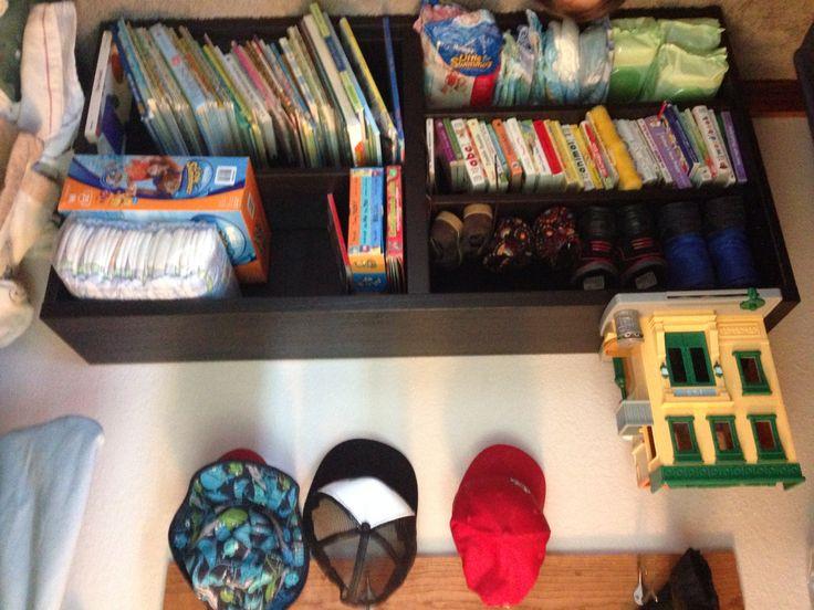Ikea Schrank Für Staubsauger ~ Ikea Besta shelf, extra storage in kids closet, great closet book
