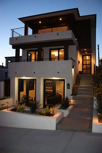 Cute 3 story home for the home pinterest for Modern house plans 3 story