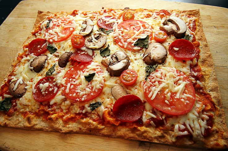 Lavash Flatbread Pizza | Food: Dinner | Pinterest