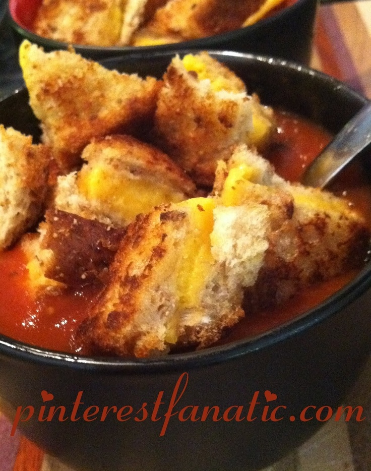 Grilled Cheese Croutons & Tomato Soup | Christmas | Pinterest