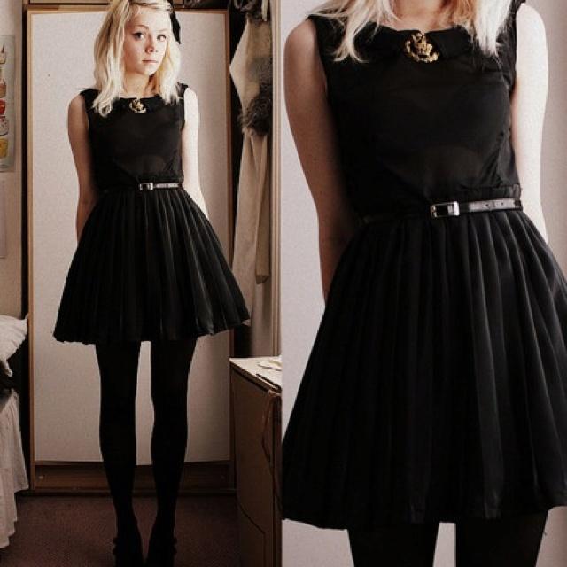 Wittle black dress..