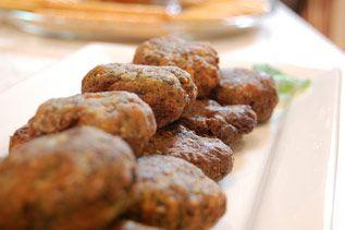Kolokithokeftedes (Greek Zucchini Fritters) With Tzatziki Recipes ...