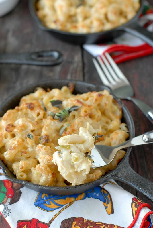 Creamy Roasted Green Chile Chicken Macaroni and Cheese | Recipe