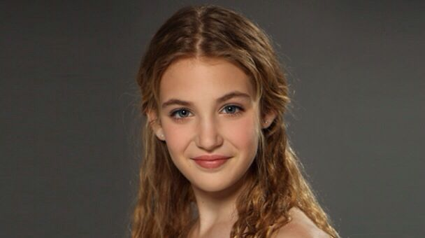 sophie nelisse 5 by - photo #27