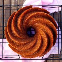 Burnt Sugar & Rum Caramel Apples Bundt Cake {in Spanish with ...