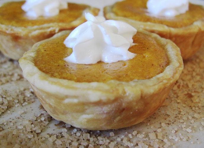 Mini Pumpkin Pie | FOOD | Pinterest