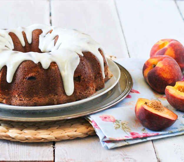 Peach and Cream Bundt Cake | 27 Big And Beautiful Bundt Cakes