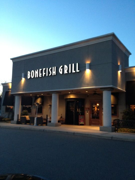 The Bonefish Grill in the heart of Orlando is a seafood restaurant and bar serving up fresh seafood and quality service in a welcoming environment. Whether you re stopping for a nice relaxing lunch or a cozy dinner with friends, Bonefish has two dining spaces to illbook.mle: Seafood.