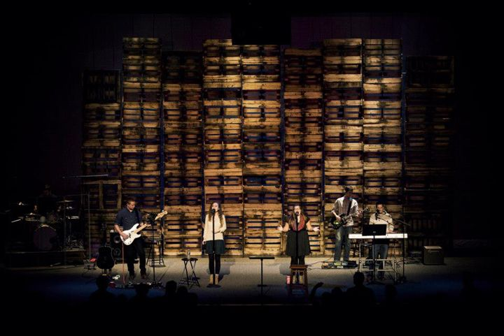 Wood Pallet Stage Backdrop Pallets Barrels Crates Rustic