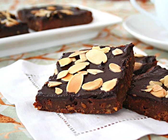 Almond Butter Amaretto Brownies | Yummy Dishes | Pinterest