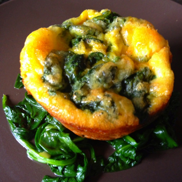 Chicken sausage & spinach egg muffin | foodie | Pinterest