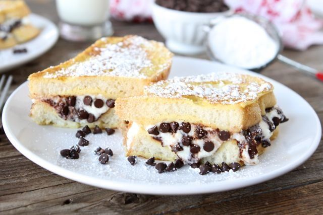 Cannoli Stuffed French Toast~ Chocolate for Breakfast?! 19 Recipes for ...