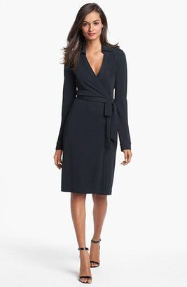 Shirt dresses and wrap dresses with sleeves