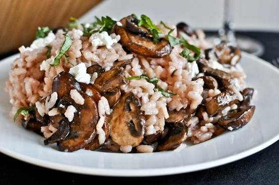 red wine and goat cheese risotto with caramelized mushrooms