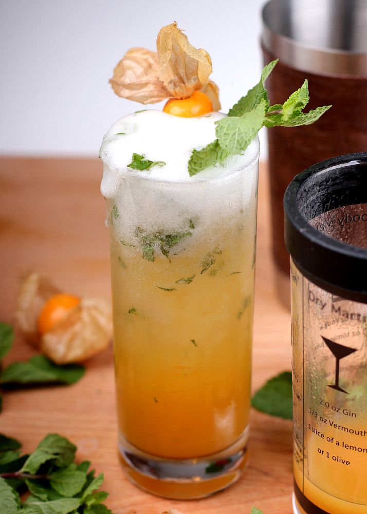 Cocktail Recipe: bubbly peach julep with prosecco | The Daily Dose ...