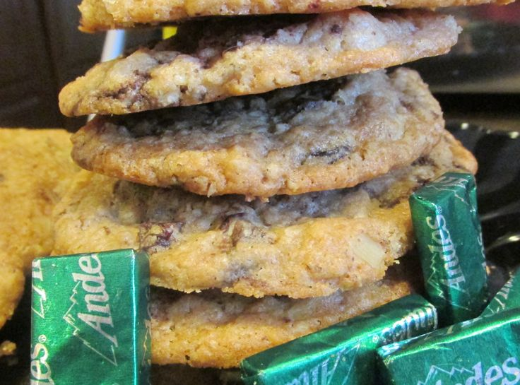 Andes Mint Chunk Irish Oatmeal Cookies | Baked goods | Pinterest